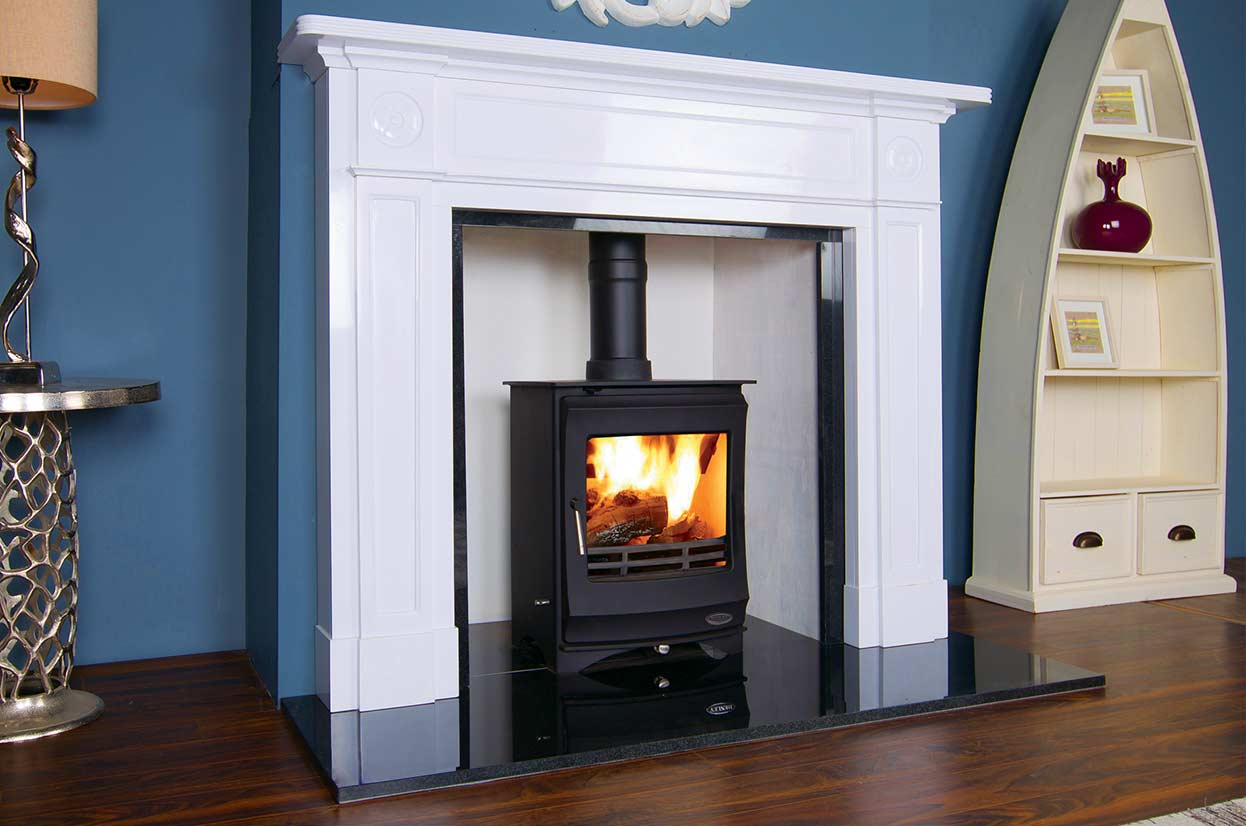 The Elcombe 5kW multi-fuel Henley stove